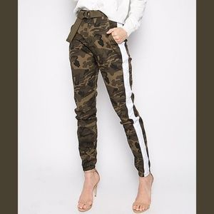 Camo belted joggers